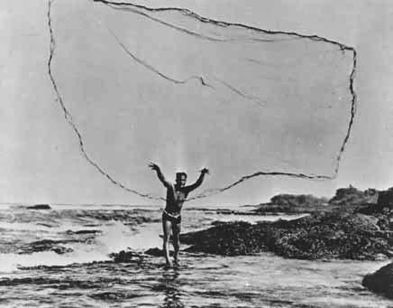 Fish kona hawaii big island fishing for Throw nets for fishing