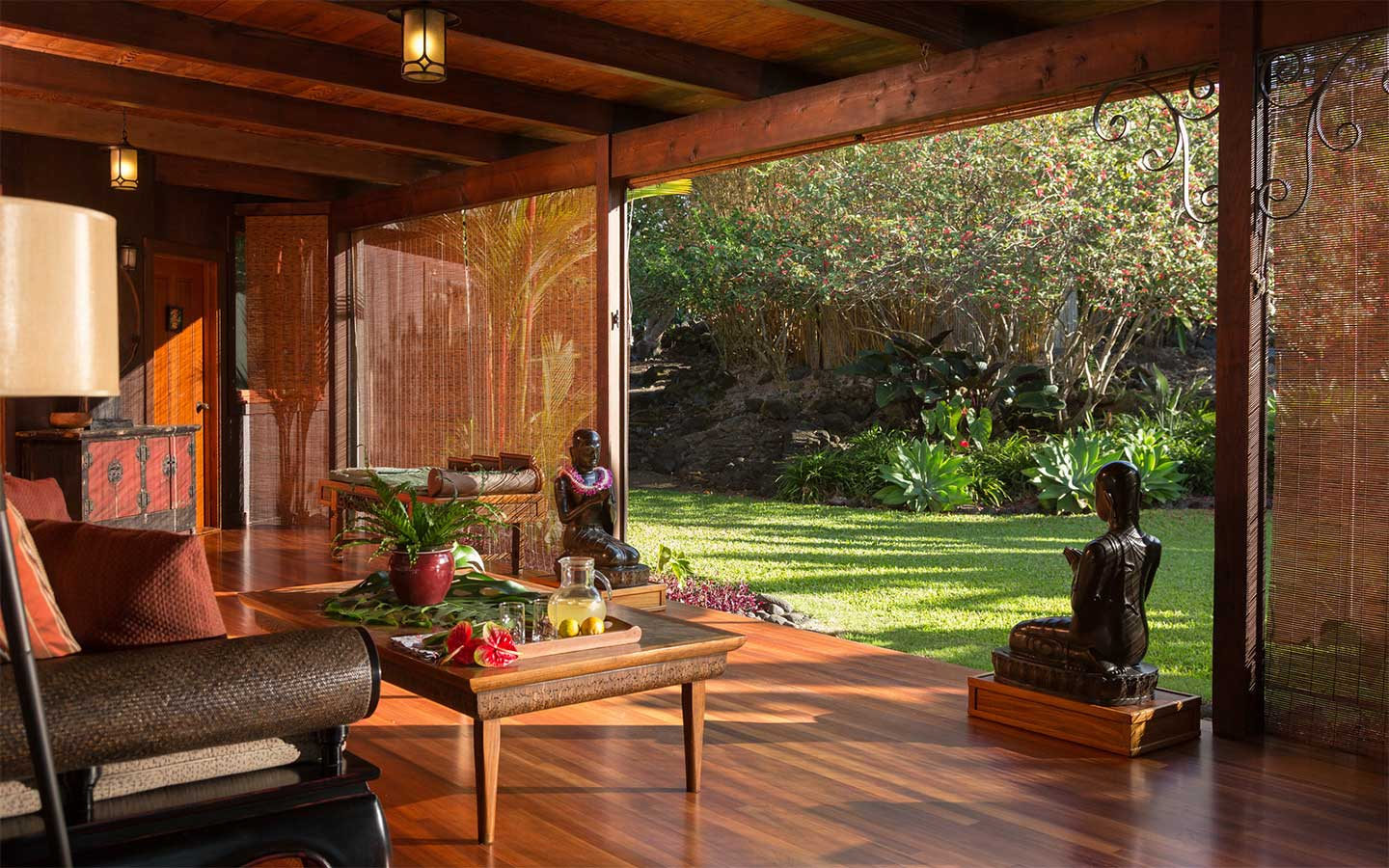 Hawaii Interior Designer: Holualoa Inn Photo Gallery