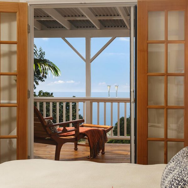 Darrell Hill Cottage Lanai view from King room in Kona Hawaii