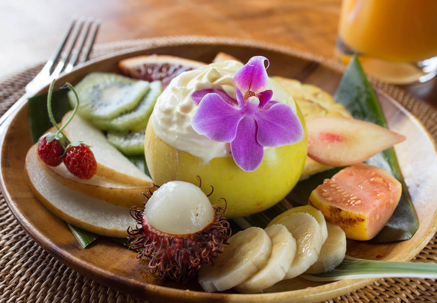 Holualoa breakfast fruit
